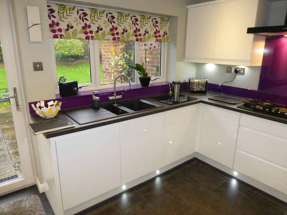 Kitchens burton on trent fitted kitchens burton for Fitted kitchens